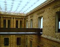 200px-Pinacoteca_do_Estado_de_São_Paulo,_Brasil_-_interiores